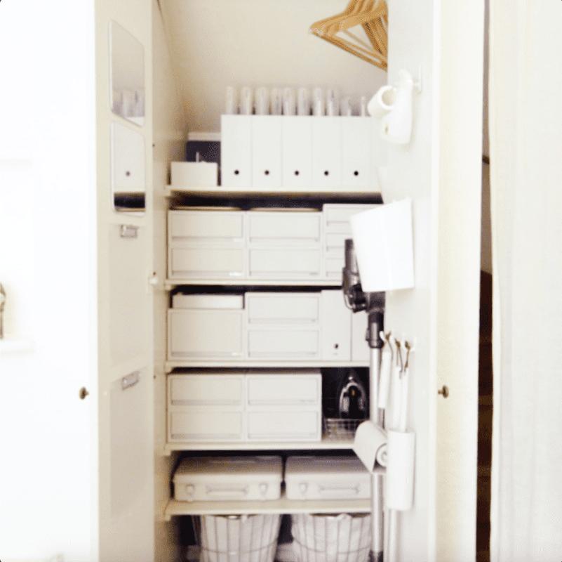押入れ収納アイデア。ケース類の活用で整理整頓|フォロワーお宅訪問