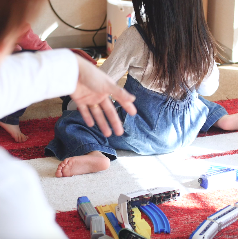 子どもが片付け上手に!楽しく一緒にできる3つの簡単収納テク