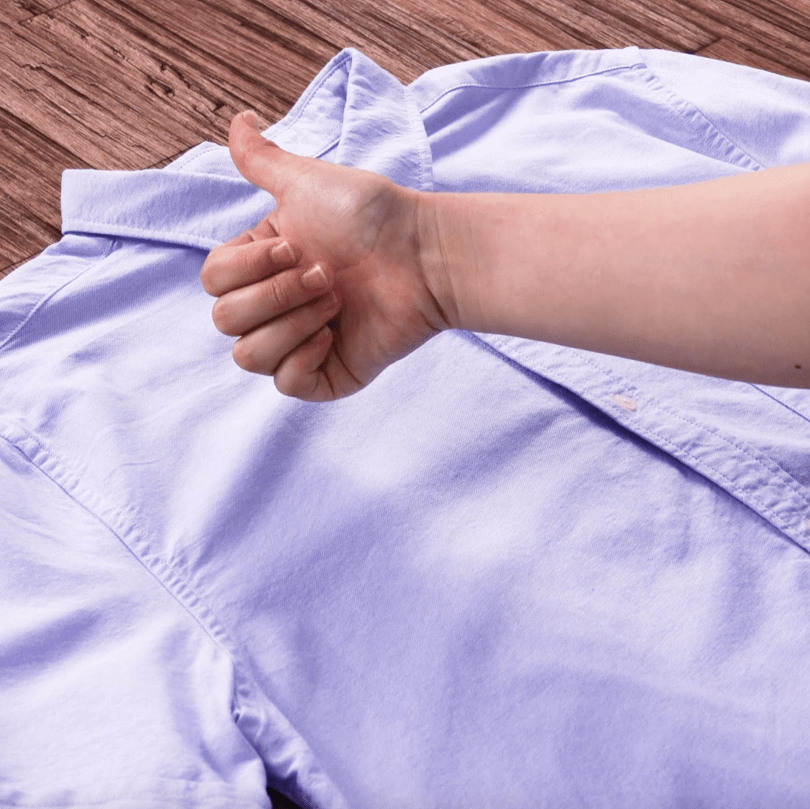 【服のシミ抜きテク】意外なアレがお役立ち?汚れ別、簡単お手入れ