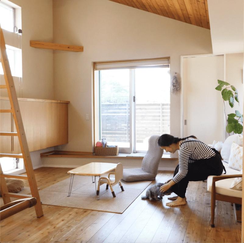 隠す収納でお部屋がスタイリッシュに!生活感を失くす家電収納法3選